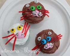 The Art of Being Mama: Alphabet Time :: C is for Cats, Cupcakes and Creation