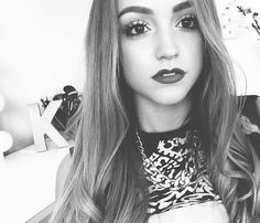 Hey guys *smiles* I'm Crystal and I'm 18 and single. I LOVE meeting new people so come say hi!