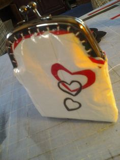metal frame wallet  change purse  hearts by theducktapediva, $15.00