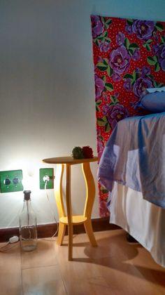 Cabeceira de chita (colada na parede com goma caseira)
