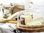 目利きバイヤーが厳選する、チーズ&ワインセット