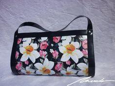 A #flowered #black #bag Diaper Bag, Bags, Fashion, Handbags, Moda, Fashion Styles, Diaper Bags, Taschen, Purse