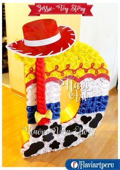 b343a471fd4cc Piñata letra D inspirada en Jessie la Vaquerita de Toy Story Vaquerita De Toy  Story