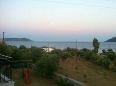 www.iloveskoutari.com                                  Beach Agias Barbaras