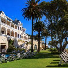 Ellerman Hotel, Cape Town. Kind of reminds me of Hotel del Coronado.