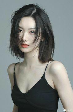 Japanese Short Hair, Korean Short Hair, Girl Short Hair, Short Hair Cuts For Women, Shot Hair Styles, Curly Hair Styles, Asian Hair, Aesthetic Hair, Girl Face
