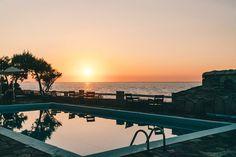 Hotels am Meer – die schönsten 7 Hotels mit Meerblick Hotel Am Meer, Hotels, Celestial, Travel, Outdoor, Lilies, Portugal, Europe, Santorini