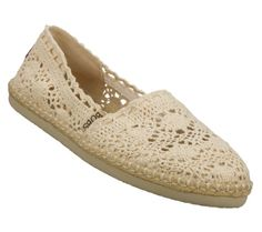 bobs by sketchers almost liiikkkee... toms...(compycaters) but still are supper comfy and cute!!!!!!!!!!!!!!<3