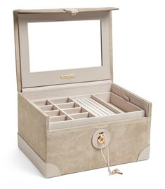 Explore our gallery of the 25 most creative & beautiful locking jewelry boxes. Jewelry Box With Lock, Earring Jewelry Box, Kids Jewelry Box, Large Jewelry Box, Musical Jewelry Box, White Jewelry Box, Wooden Jewelry Boxes, Faberge Jewelry, Engagement Jewelry