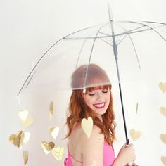How to recreate this lovely heart-umbrella perfect as a prop for a photography session