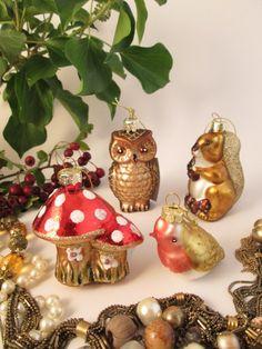 Gisela Graham Christmas Retro Glass Highland Forest Collection Gisela Graham Christmas, Christmas Bulbs, Xmas, Hanging Decorations, Retro Christmas, Kitsch, Celebrations, Holiday Decor, Crafts