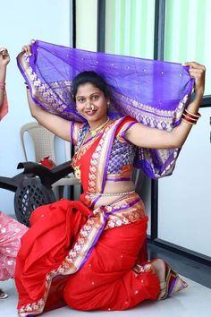 Beautiful Girl Indian, Most Beautiful Indian Actress, Beautiful Saree, Marathi Saree, Marathi Nath, Marathi Bride, Indian Girl Bikini, Indian Girls, Beauty Full Girl