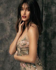 # Vielen Dank an mein tolles Glam Team! ❤️ Make-up: - - Haare: Raymond Santiago Styli Filipina Beauty, Filipina Actress, Lisa Soberano, Asian Hair, Beauty Shots, Le Jolie, Stylus, Beautiful Actresses, Pretty Woman