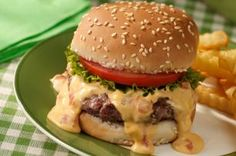 Transform everyday cheeseburgers into special Queso Burgers with ease. Top them with a mixture of VELVEETA and RO*TEL Diced Tomatoes & Green Chilies and get ready for some excitement. Queso Burgers are sure to please! Velveeta Recipes, Hamburger Recipes, Beef Recipes, Cooking Recipes, Healthy Recipes, Kraft Recipes, Kraft Foods, Recipes, Bon Appetit