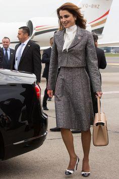 Retour ce dimanche dans le Royal Blog de Paris Match sur les looks de la reine Rania de Jordanie en visite d'État en Belgique avec le roi Abdallah II .
