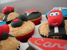 Every little boy needs to have at least one of his birthdays dedicated to cars. Lightening Mcqueen, Car Party, Vanilla Essence, Cake Decorations, Third, Birthday Parties, Birthdays, Cupcakes, Cars