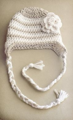 Crochet girl hat belle époque style stripped with flower, size toddler 1 to 3 years, quality wool blend yarn