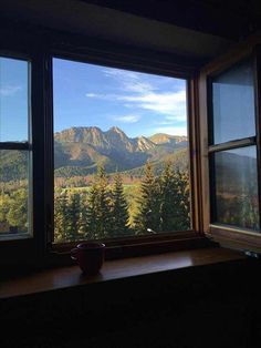 25 Ideas bedroom window view beautiful for 2019 Nature Aesthetic, Travel Aesthetic, Aesthetic Bedroom, Beautiful World, Beautiful Places, Places To Travel, Places To Visit, Travel Destinations, Window View