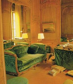 century Paris apartment of Karl Lagerfeld. French Style - Suzanne Slesin & Stafford Cliff c. Living Room Green, Green Rooms, Living Rooms, Living Spaces, Karl Lagerfeld, Gentlemans Quarters, Cottage Interiors, French Interiors, Interior And Exterior