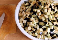 Salată din vinete pentru iarnă. Nu veți regreta nici un minut, dacă veți conserva măcar câteva borcane! - Bucatarul Dog Food Recipes, Chocolate, Salads, Schokolade, Dog Recipes, Chocolates