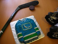 My next Birthday Cake (: ♥ Hockey Party, Vancouver Canucks, Amazing Cakes, Lunch Box, Birthday Cake, Drink, My Favorite Things, Cool Stuff, Eat