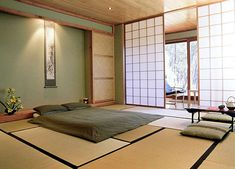Japanese bedroom - tatami mats and screen doors Japanese Style Bedroom, Japanese Style House, Traditional Japanese House, Japanese Interior Design, Japanese Home Decor, Japanese Homes, Japanese Inspired Bedroom, Asian Design, Traditional Decor