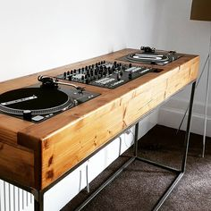 146 Likes, 23 Comments - Glasgow Wood Recycling ( on Insta. 146 Likes, 23 Co Stockage Record, Home Studio Musik, Turntable Setup, Dj Stand, Dj Table, Dj Decks, Dj Setup, Vinyl Record Storage, Audio Room