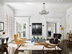 [New] The 10 Best Home Decor (with Pictures) - The Los Angeles living room of interior designer Brigette Romanek is outfitted with a pair of Marco Zanuso lounge chairs from Eccola a Blackman Cruz console (left) and a Hans Wegner chaise longue. Furniture, Room Design, Interior, Studio Interior, Home Decor, House Interior, Interior Designers, Interior Design, Living Room Designs