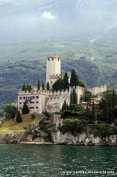 Scaliga Castle in Malcesine on Lake Garda, Verona, Veneto, Italy:  The castle…