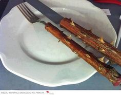 A way to lose weight is now in your hands. Here's the ideal cutlery for those who wish to lose weight and don't want to handle the painful. Editora Leya, Knife And Fork, Lose Weight, Weight Loss, Diet Humor, Diet Motivation, Fitness Diet, Fitness Humor, Justin Bieber