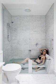 Tiny Bathroom Tub Shower Combo Remodeling Ideas 63 #tinybathrooms