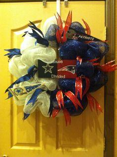 House divided wreath. Cowboys/patriots
