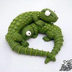 #polymerclay #polymer #handmade #deeraaarts #sculpey #sculpeyclay #sculpt #cartoon #kawaii #cute #fimo #clay #art #artist #artistofinstagram #shop #colour #lizard #lizards #gecko #green #etsy #holiday #sun #love