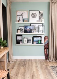 Mint Walls and pictures Living Room Decor On A Budget, Home Living Room, Interior Design Living Room, Mint Green Walls, Interior Inspiration, Home Furniture, Furniture Outlet, Discount Furniture, House Design