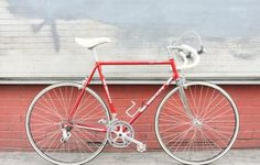 VINTAGE ROAD BIKE BIANCHI REKORD I like the way this looks clean and ready to race at the same time