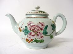 Tennants Auctioneers: A Chaffers Liverpool Porcelain Teapot and Cover