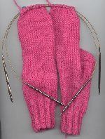2 Socks on 2 Circulars tutorial - I do this all the time or use the Magic Loop method with 1 needle - easier to knit a complete pair at once.