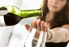 Google Image Result for http://www.doyoufeelgood.org/UserFiles/Images/Alcohol/Refusing-wine.jpg