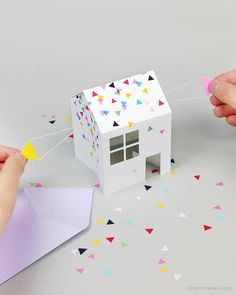 Pop-Up House Party Invitation Enamorada de esta idea ¡ la tengo que hacer.