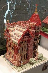 Wow! Beautiful Detailed Gingerbread House