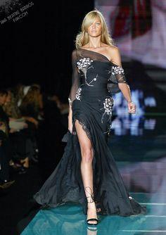 Elie Saab Spring 2003 Couture. Model: Ana Beatriz Barros.