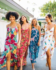 Discover cute dresses in fun boho designs at Show Me Your Mumu. Find all the looks you love, including beachy maxi dresses, cocktail mini dresses, formal party dresses, must-have midi dresses & more. Tropical Party Outfit, Hawaiian Party Outfit, Tropical Vacation Outfits, Luau Outfits, Beach Party Outfits, Night Outfits, Girl Outfits, Hawaiian Outfit Women, Hawaiian Outfits