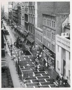 La rue St-Joseph dans St-Roch devenue Piétonnière avant le toit du Mail St-Roch en 1970