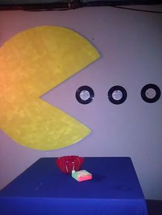 party at Caseys Pub! 80s Birthday Parties, 80th Birthday, Decade Party, 80s Theme, Diy Party Decorations, Party Time, Halloween Party, 80s Neon, Pac Man