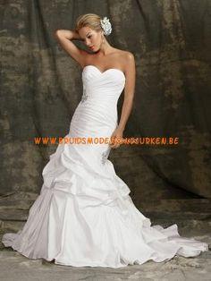 Juweel 2012 Bruidsjurken