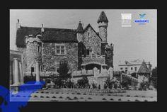 Castillo Douglas  Vista del Castillo Ortega popularmente conocido como castillo Douglas, Construido en los años veinte, por el arquitecto Juan Mariscal y con la participación del maestro Refugio Reyes, antigua casa familiar del Lic Edmundo Ortega Douglas. Fotografia de los años treintas en la que se observa a la derecha el chalet Douglas, casa habitación de Don Juan Douglas