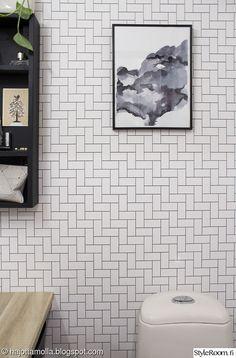 wc,pintaremontti,tapetti,wc sisustus,laminaattitaso