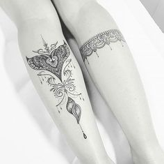 Instagram media by tattoo2us - Tem alguma sereia ai?  Marque sua amiga apaixonada por sereias   Tatuagem feita por @cabelotattoo   #sereia #sereiatattoo #sereias #tattoosereia #tattoo #tatuagem
