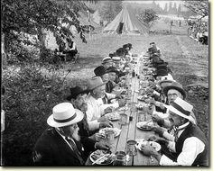 Reunion of veterans of battle of Gettysburg in 1913...