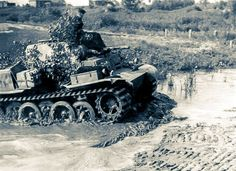A Panzer 2 Ausf L 'Luchs' light recon tank, fording a stream, was one of only 100 that were produced between Sept. Panzer Ii, Mg 34, World Of Tanks, German Army, Armored Vehicles, War Machine, World War Two, Historical Photos, Military Vehicles